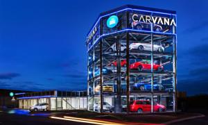 """Start-up norte-americana de seminovos cria primeira """"máquina de carros"""" totalmente automatizada: aula de eficiência e criatividade"""