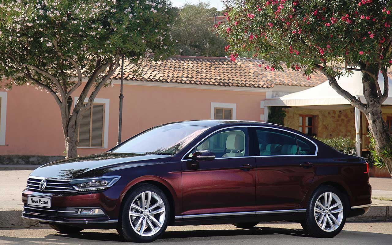 A VW quer abafar a fraude das emissões, no Brasil, e para isso nada melhor do que confirmar a importação da oitiva geração do Passat, a mais avançada dos 42 anos de história do sedã; preços, só no ano que vem