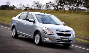 Chevrolet Cobalt: falha no travamento do cinto de segurança traseiro esquerdo motiva recall