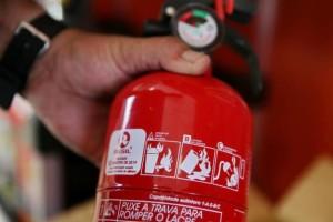 Comissão suspende resolução do Contran e extintor de incêndio veicular pode voltar a ser obrigatório
