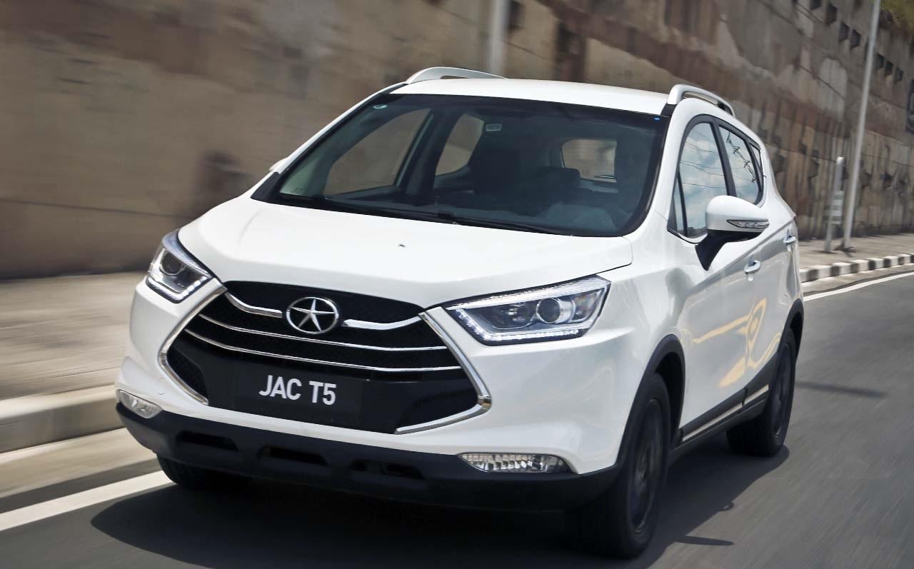 O T5, da JAC, trará LEDs funcionais, motorização flexível de 127 cv e transmissão automática CVT, na versão mais avançada