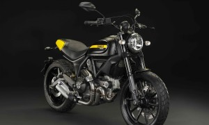 """A moto tem estilo despojado, com a mecânica exposta, visual """"retrô"""" e detalhes atualíssimos, como o uso de luzes diodo (LEDs) na moldura do farol e na lanterna"""