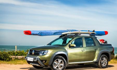 A Duster Oroch é, basicamente, uma versão com caçamba do utilitário-esportivo (SUV), com o mesmo espaço interno e os mesmos conteúdos do modelo que lhe empresta a base, mas muito longe da robustez e da capacitação de uma picape média de verdade