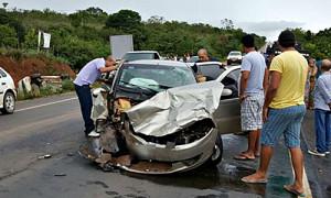 Acidente de trânsito deixa um morto e 3 feridos em rodovia no AP
