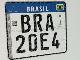 Placas padrão Mercosul começarão a circular no Brasil em 2017