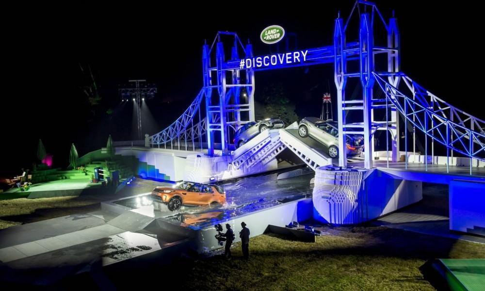 Salão de Paris: Novo Discovery chega com recorde mundial