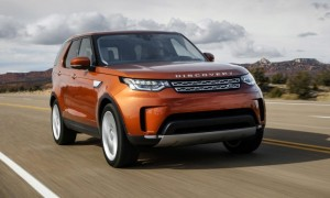 2017-land-rover-discovery-first-drive-774x435-min