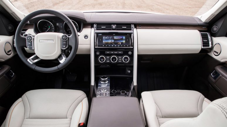 2017-land-rover-discovery-first-drive-4-774x435-min