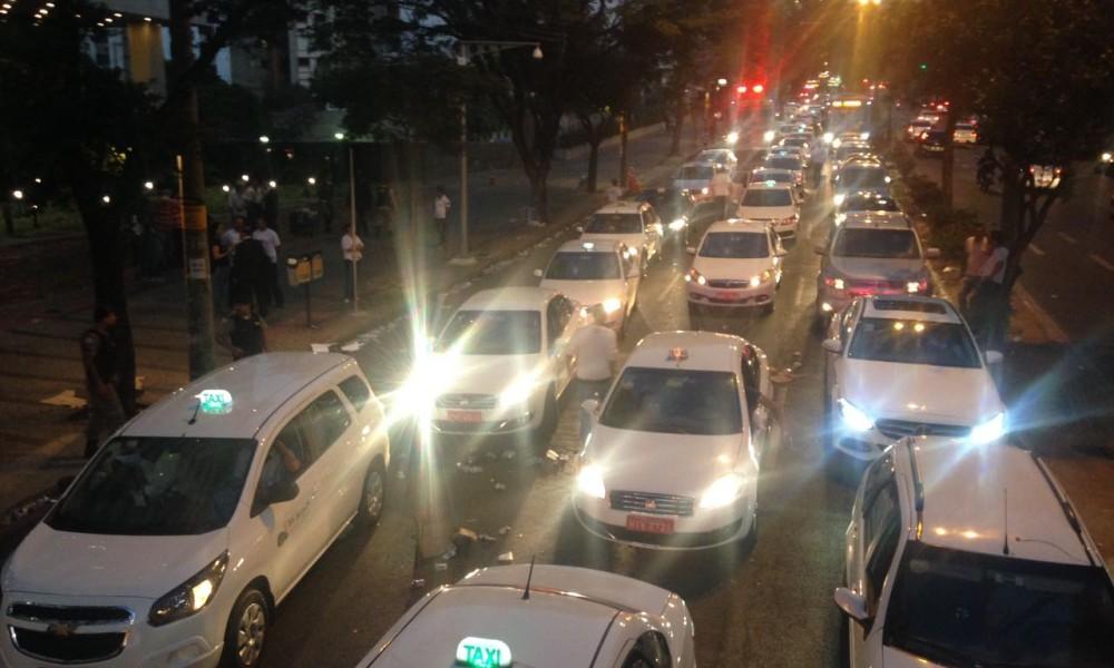 Justiça considera legítimo o funcionamento de apps de transporte em Minas