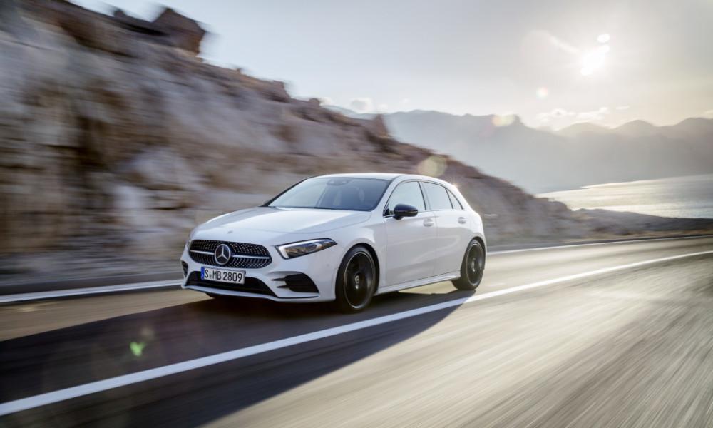 Mercedes-Benz A-Klasse. Exterieur: Digital white pearl   Mercedes-Benz A-Class. Exterior: Digital white pearl
