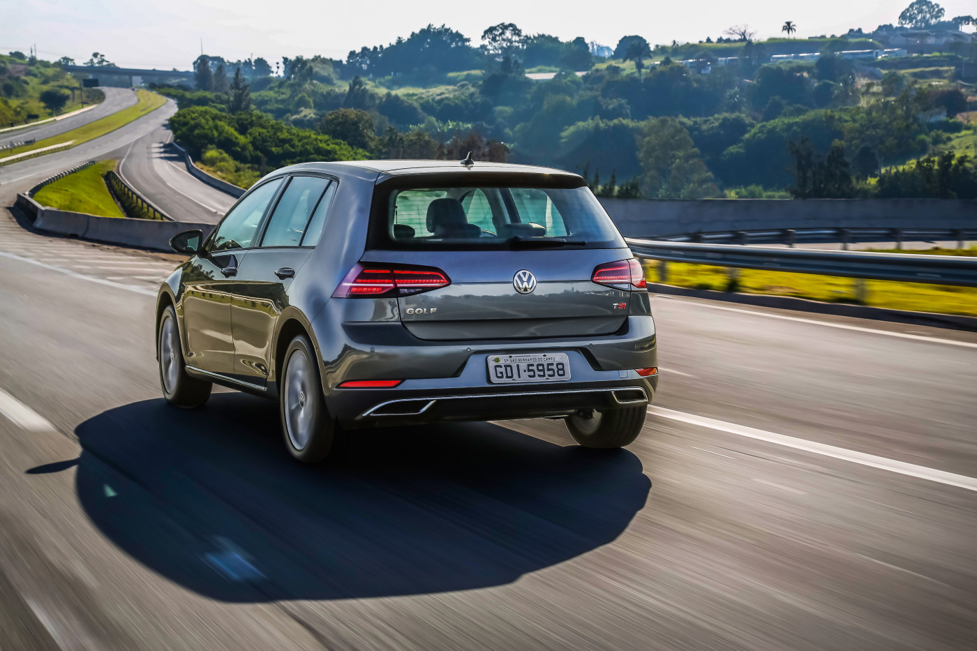 Volkswagen_Golf_Highline___2_