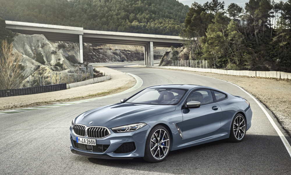 P90306592_highRes_the-all-new-bmw-8-se