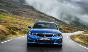 P90323667_lowRes_the-all-new-bmw-3-se