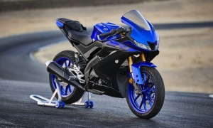 2019-Yamaha-YZF-R125-EU-Yamaha_Blue-Static-002