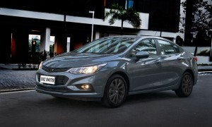Chevrolet Cruze Black Bow Tie - 2019