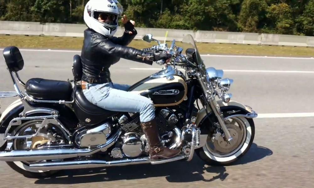 Pesquisa norte-americana confirma: moto faz muito bem para elas