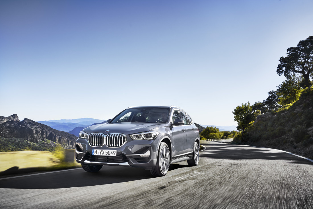 P90350945_highRes_the-new-bmw-x1-drivi